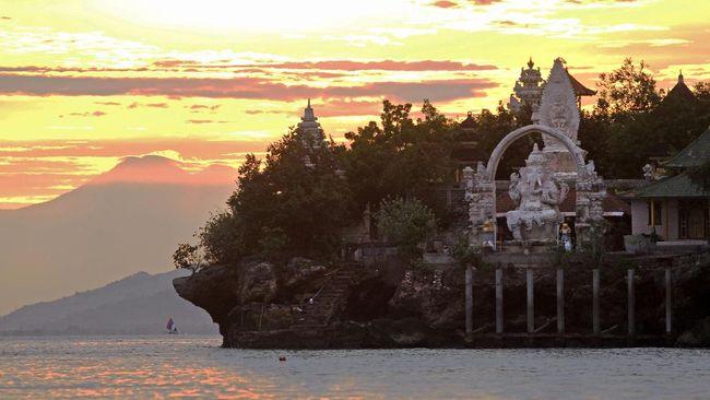 TNBB merupakan kawasan pelestarian alam, khususnya sebagai habitat terakhir bagi burung Jalak Bali.