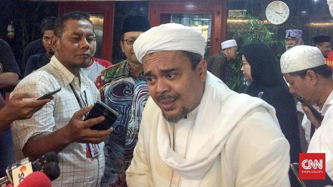 Rizieq Shihab dilaporkan atas tuduhan penistaan agama dan penyebaran ujaran kebencian di Polda Metro Jaya.