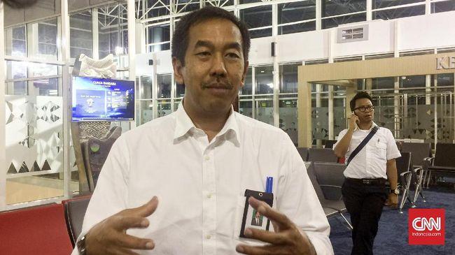 PT Angkasa Pura II akan mengurangi frekuensi penerbangan melalui Bandara Halim Perdanakusuma tahun ini.