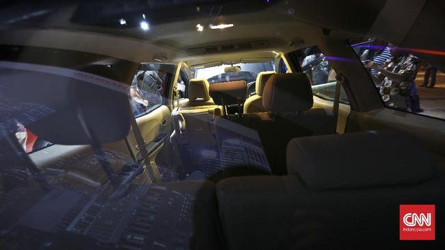Sejumlah pengusaha rental mobil mengaku bisnisnya terganggung imbas corona. Sebagian besar konsumen membatalkan sewa dan sisanya meminta ditunda.