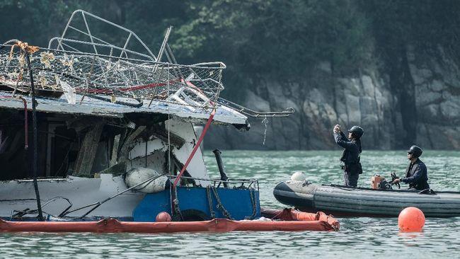 Konsul Jenderal RI di Johor Baru memastikan satu warga Indonesia (WNI) yang menjadi korban kapal pengeruk pasir yang terbalik di Malaysia belum ditemukan.
