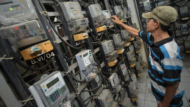 Masyarakat dapat kembali mengklaim subsidi listrik gratis untuk periode Oktober, mulai Kamis (1/10). Berikut persyaratannya.