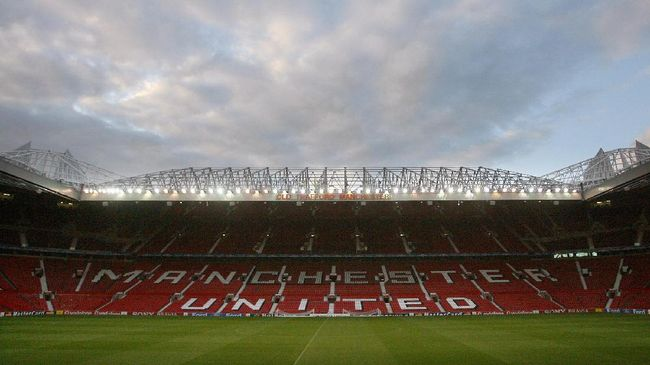 A general view of the pitch before Celtic footballers took part in a training session at Old Trafford, Manchester, 12 September 2006, the day before they take on Manchester United in a Champions League football match. AFP PHOTO/PAUL ELLIS / AFP PHOTO / PAUL ELLIS