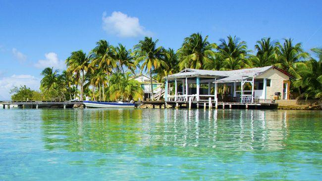 Pulau seluas 1,6 hektar itu dijual karena sang pemilik akan kembali ke Inggris. Saat ini, pulau tersebut sudah laku terjual.