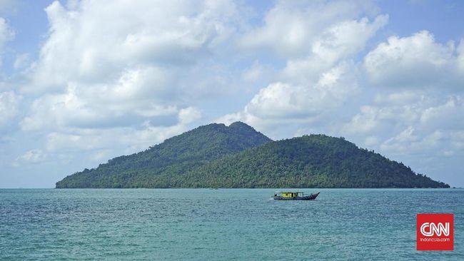 Perairan Natuna memiliki potensi ekonomi yang besar sehingga menjadi rebutan Indonesia dan China.