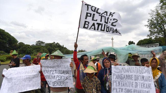 Presiden Jokowi didesak menghentikan kasus bendera merah putih terbalik yang mengkriminalisasi penolak PLTU Indramayu yang memiliki banyak kejanggalan.