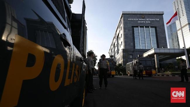 Kendaraan Taktis Disiagakan Jelang Pemeriksaan Rizieq Shihab