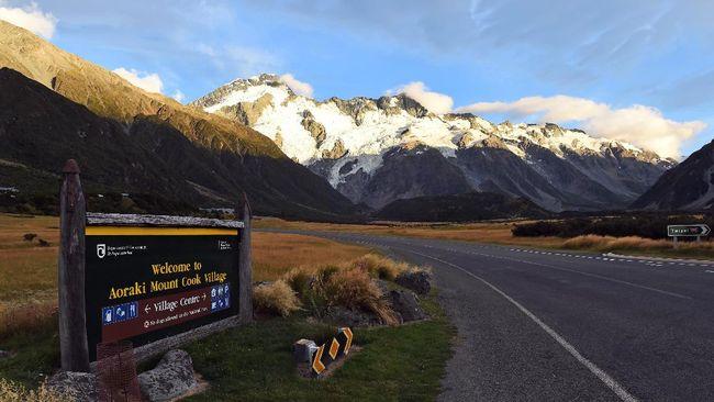 Keluarga asal Inggris disebut memiliki masalah karakter dan dideportasi dari Selandia Baru.