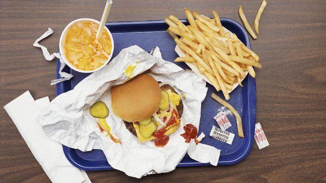 Tak semua bahan plastik ternyata aman digunakan untuk kemasan makanan. Apa saja penanda plastik yang dapat jadi acuan?
