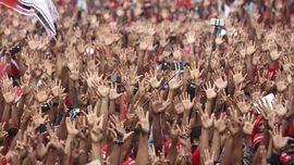 Ribuan Orang Padati Kampanye di Maluku, Cabup Minta Maaf