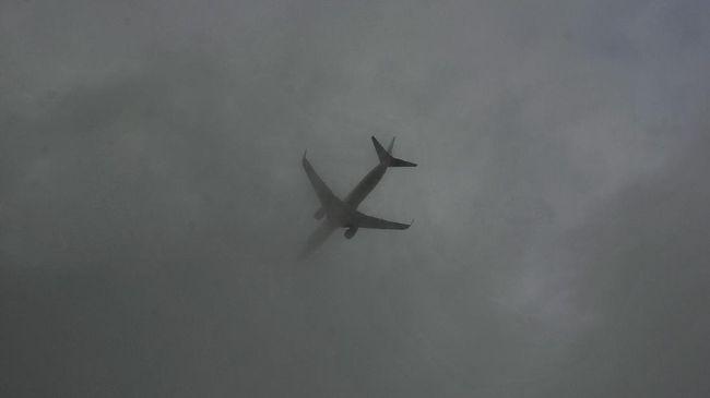Berdasarkan manifes penerbangan, di dalam pesawat milik maskapai Saratov Airlines itu terdapat 71 orang yang terdiri atas 65 penumpang dan 6 awak.