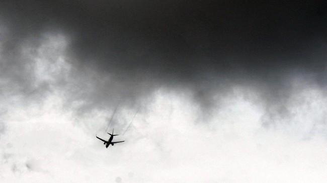 Cuaca Buruk, Air Asia Tujuan Belitung Putar Balik ke Soetta