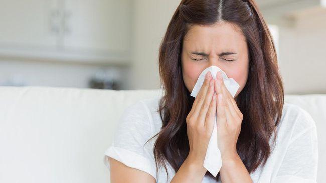 Batuk darah, demam hilang-timbul dan nafsu makan berkurang adalah tanda-tanda yang dapat dikenali sebagai gejala Tuberkulosis (TBC).