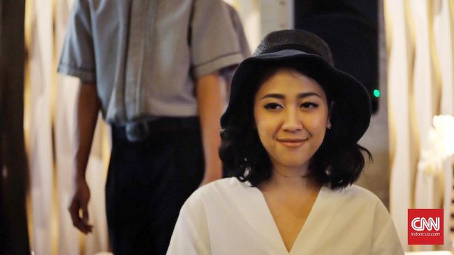 Artis Sherina Munaf kembali menjadi pusat perhatian netizen setelah Jumat (11/6) ini ulang tahun ke-31.