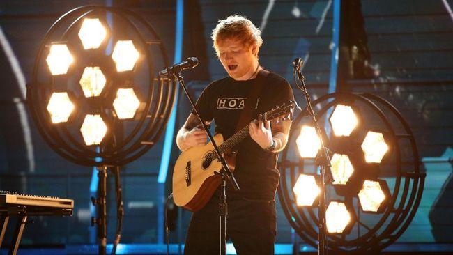 Setelah sempat jadi korban hoax, panitia Glastonbury akhirnya merilis line up resmi yang mencantumkan Ed Sheeran dan Katy Perry sebagai pengisi di tahun ini.