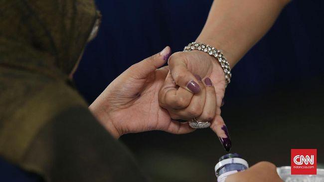 Kalbar menggunakan tinta seperti saat pemilu untuk menandai pendatang yang merupakan ODP terkait kasus Corona.