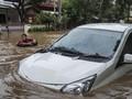 Cuitan Kocak Soal Banjir yang Masih Jadi Omongan Netizen