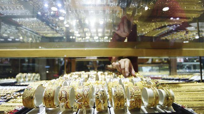 Harga emas melesat ke US$2.000 per troy ons. Harga tersebut merupakan yang tertinggi dalam sejarah.