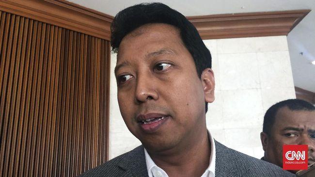 Asyari Usman melalui pengacaranya Guntur Fattahillah menilai penetapan tersangka cacat prosedur sehingga praperadilan direncanakan.