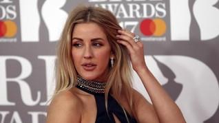 Metalik dan Transparan Dominasi Karpet Merah Brit Awards 2017