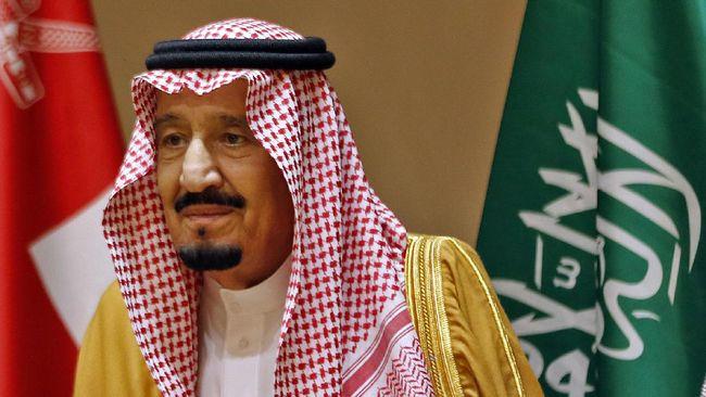 Raja Salman menelepon Donald Trump untuk menyampaikan kecaman atas penembakan di pangkalan angkatan laut Amerika Serikat oleh personel militer Arab Saudi.