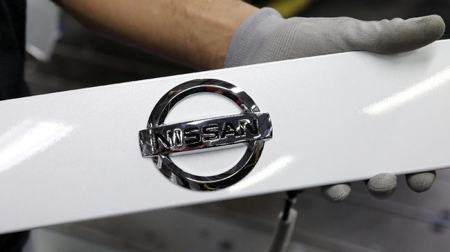 Indikasi Nissan Indonesia menjadi importir cukup banyak di antaranya penjualan turun, perubahan struktur manajemen berkali-kali dan menyetop penjualan Infiniti.