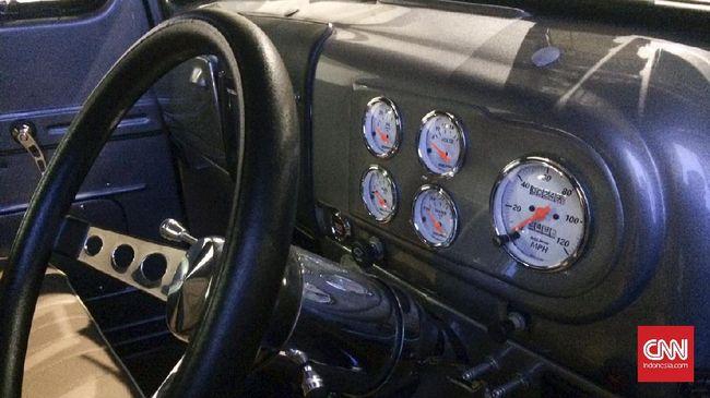 Supercar Lawas Mampu Menembus Kecepatan 483 Km per Jam