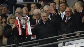 Bukan DP Nol Persen untuk Manchester United