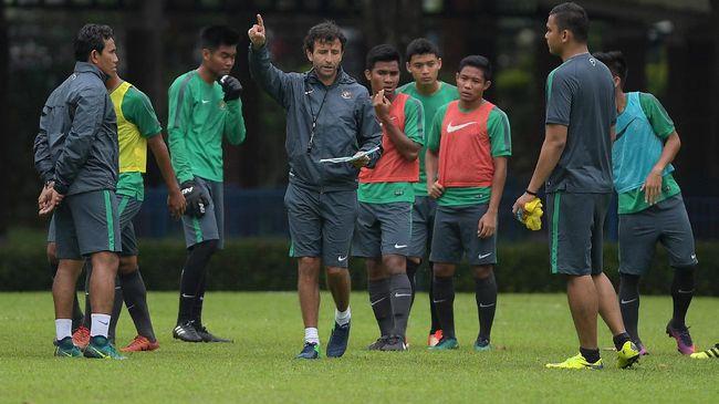 Luis Milla akan menjadi pelatih asing keempat Timnas Indonesia di Piala AFF mengikuti jejak Ivan Kolev, Peter Withe,dan Alfred Riedl.