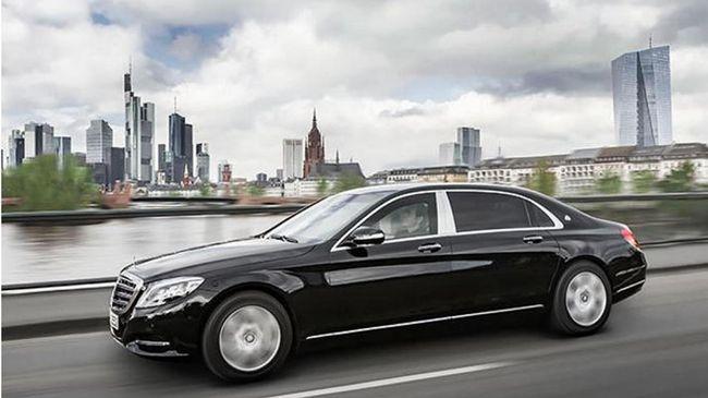 Mercedes-Benz Belum Tahu Menang Tender Mobil Dinas Jokowi