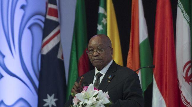 Mantan Presiden Afrika Selatan, Jacob Zuma, menyerahkan diri ke polisi atas tuduhan penghinaan pengadilan, Rabu (7/7).