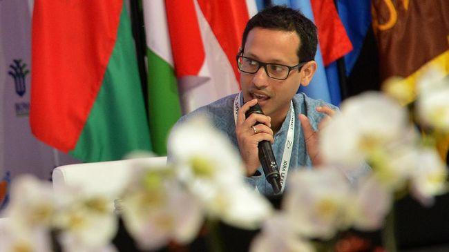 Ambisi CEO Gojek Nadiem Makarim untuk membuat Gopay diterima di mana pun dieksekusi dengan akuisisi tiga perusahaan fintech yakni Kartuku, Midtrans, dan Mapan.