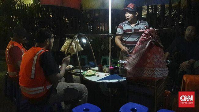 Selain dipenuhi dengan gegap gempita kehidupan ibu kota, Jakarta Selatan juga menyimpan segudang cita rasa dari kuliner-kuliner bersejarah.
