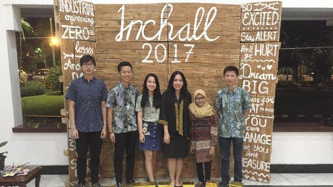 President University menjadi salah satu kampiun dalam kompetisi internasional Industrial Challenge (Inchall) 2017 yang digelar oleh ITS Surabaya.