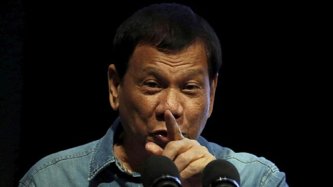 Diancam Duterte, Koran Filipina Dijual