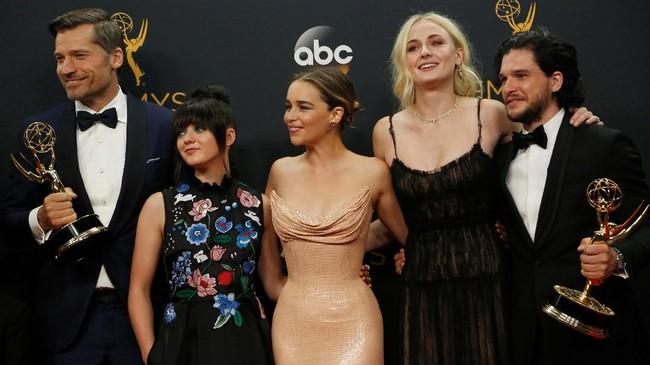 Deretan Gaun Terbaik dan Terburuk di Emmy Awards 2017
