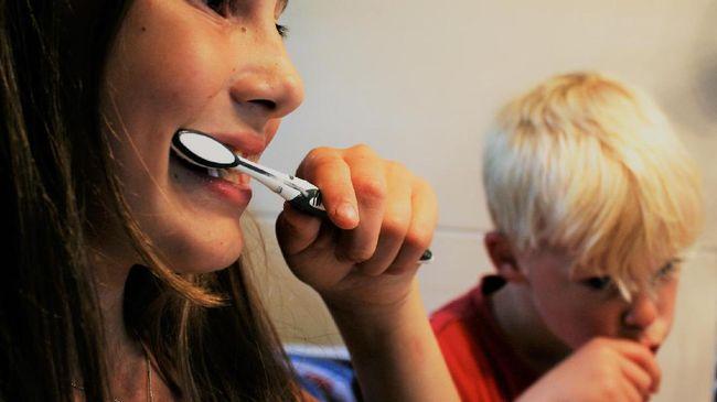 Para ahli memberikan saran untuk menggosok gigi dua kali dalam sehari. Berikut bahaya tidak menggosok gigi.