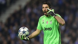 Resmi: Buffon dan Chiellini Perpanjang Kontrak di Juventus