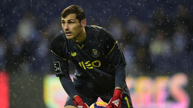 Iker Casillas resmi kembali ke Real Madrid setelah meninggalkan Santiago Bernabeu pada 2015. Casillas menjabat sebagai Wakil CEO Real Madrid Foundation.