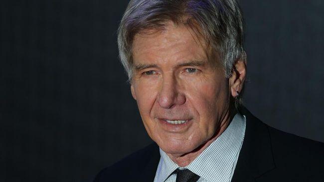 Aktor lawas Harrison Ford merasa penonton Indiana Jones bukan fan, melainkan pelanggan sehingga harus dipuaskan.
