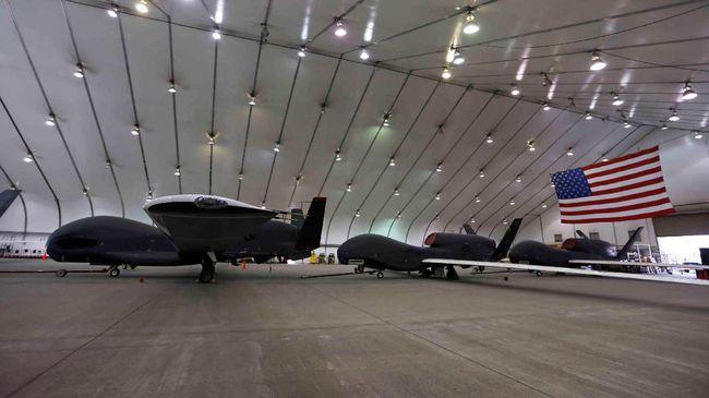 Korps Garda Revolusi Iran menyatakan berhasil menembak jatuh drone intai AS, RQ-4 Global Hawk, buatan Northrop Grumman.