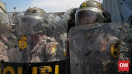 Polisi Bubarkan Massa yang Akan Duduki KPU Puncak Jaya
