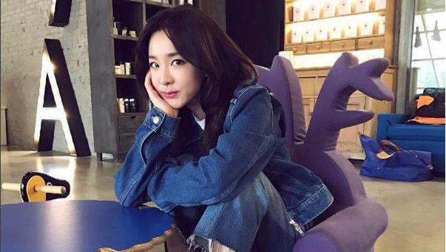 Sandara Park atau yang akrab disapa Dara tak memperpanjang kontrak eksklusifnya di YG Entertainment setelah bernaung di sana selama 17 tahun.
