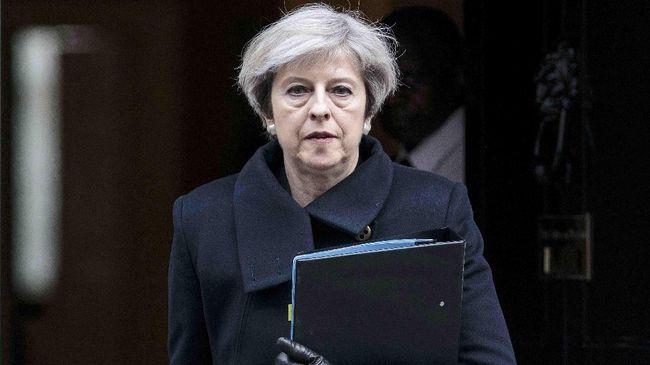 PM Inggris Theresa May menggelar rapat kabinet, berupaya mempersatukan pemerintahannya sehari setelah dua menteri senior mengundurkan diri terkait Brexit.