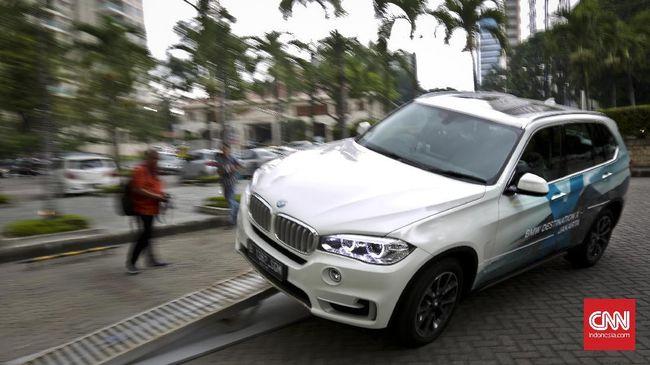 Seorang konsumen BMW menuntut ganti rugi sebesar Rp4,5 miliar atas perkara 'cacat tersembunyi' di X5.