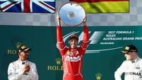Vettel Pole Position GP Singapura, Hamilton Start Kelima