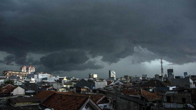 BMKG Pusat meminta masyarakat untuk waspada terhadap potensi adanya peningkatan potensi hujan di sebagian wilayah Indonesia.
