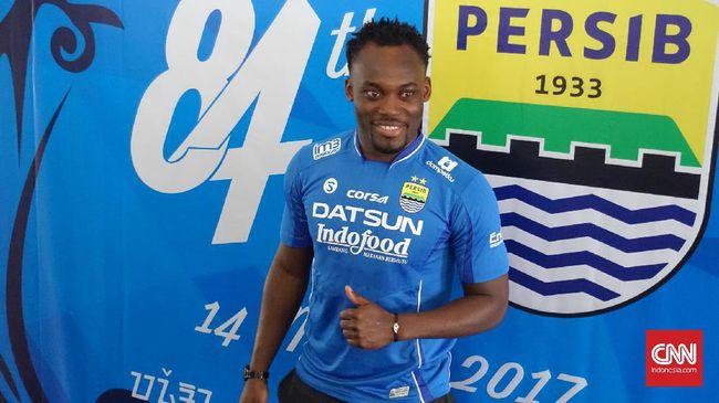 Raphael Maitimo mengidolakan Michael Essien dan Carlton Cole, karena itu ia sangat gembira bisa bermain bersama keduanya di Persib Bandung.