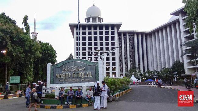 Protokoler Masjid Istiqlal menyebut jumlah massa yang telah tiba di titik kumpul aksi 313 belum mencapai setengah dari estimasi Forum Umat Islam.