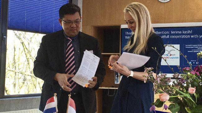President University mengadakan kerjasama dengan HAN University of Applied Science, Belanda untuk menciptakan tenaga kerja yang cerdas dan berpengalaman.